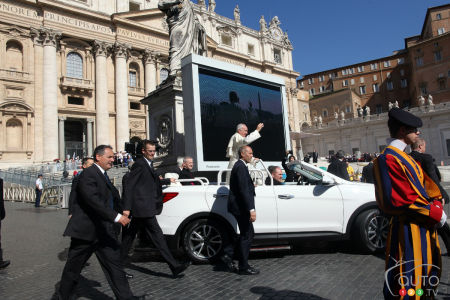 Topless Hyundai Santa Fe becomes newest Popemobile