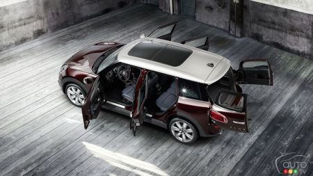 MINI unveils third-generation Cooper Clubman