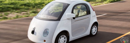 Apple, Google making progress on self-driving cars, Daimler's Zetsche says