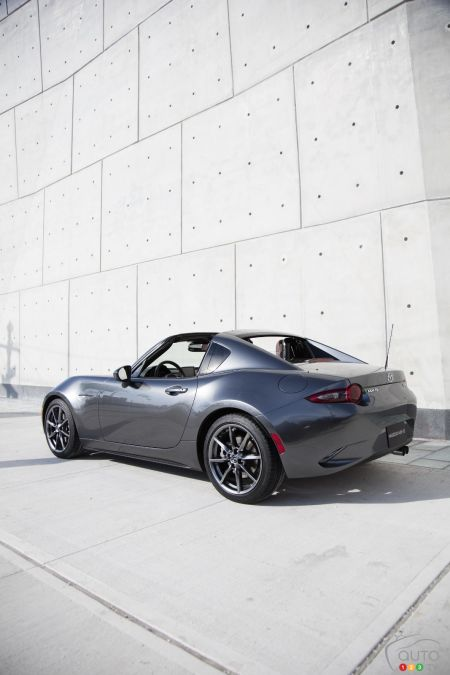 Mazda Offers Car Buyers Chance to Pre-Order 2017 MX-5 RF