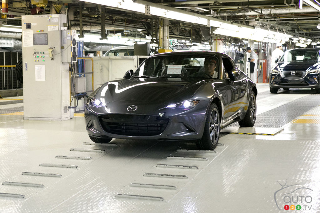2017 Mazda MX-5 RF: Production Is Underway!