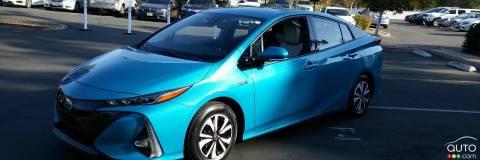 chroniques vertes voitures hybrides autos cologiques auto123. Black Bedroom Furniture Sets. Home Design Ideas