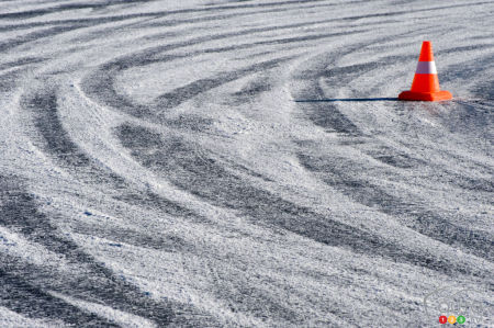 Winter driving tips: controlled sliding (video)