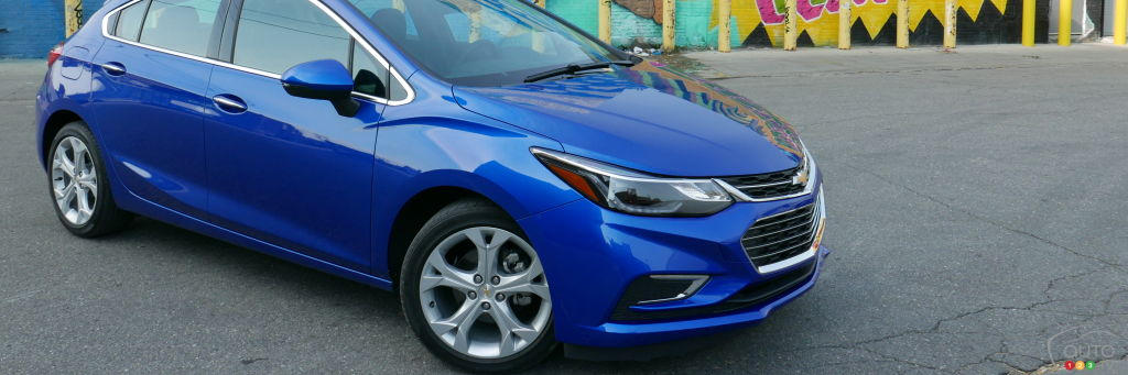 2017 chevy cruze hatchback first drive car reviews auto123. Black Bedroom Furniture Sets. Home Design Ideas