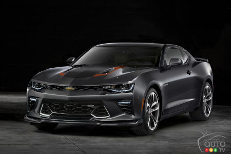 Chevy Camaro SS 50th Anniversary Edition given to World Series MVP