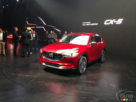 En direct du Salon de l'auto de Los Angeles 2016 : Mazda révèle le nouveau CX-5