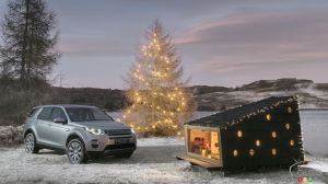 Land Rover builds a small Christmas cabin ideal for Santa Claus (video)
