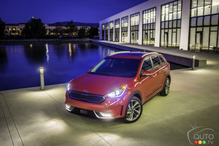 Kia Niro hybrid crossover unveiled in Chicago