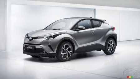 Geneva 2016: Toyota C-HR unveiled in production form