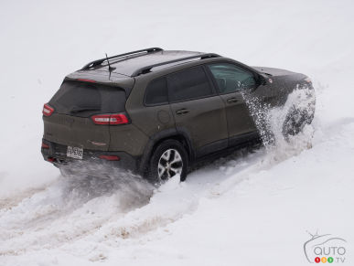 2016 AWD Compact Crossover Comparison