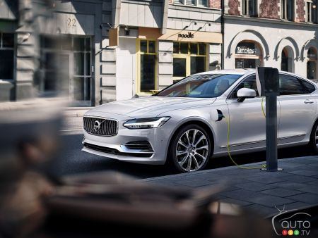 Volvo joins Charging Interface Initiative to standardize EV charging