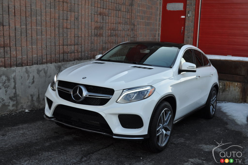 2016 mercedes gle coupe boldly takes on the x6 car reviews auto123. Black Bedroom Furniture Sets. Home Design Ideas