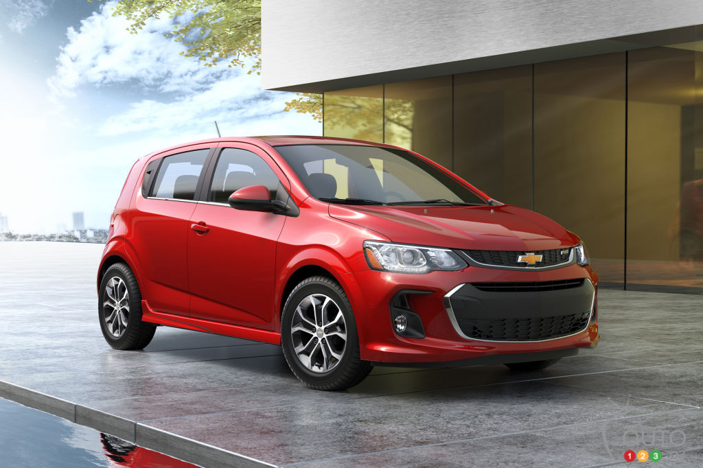 Chevy Mylink Update >> 2017 Chevy Sonic gets significant update | Car News | Auto123
