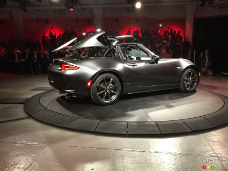 New York 2016: Mazda MX-5 gets hard