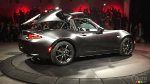 New York 2016 : la Mazda MX-5 2017 se durcit