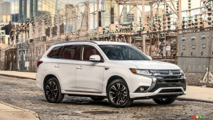 New York 2016: 2017 Mitsubishi Outlander PHEV makes debut