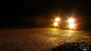 Most new cars need better headlights, IIHS finds