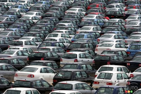 Car sales across Canada hit record high in 2015