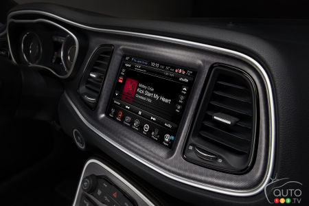Apple's Siri now available for free in 2 million FCA vehicles