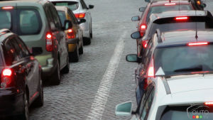 German regulators identify 30 cars with excessive CO2 levels