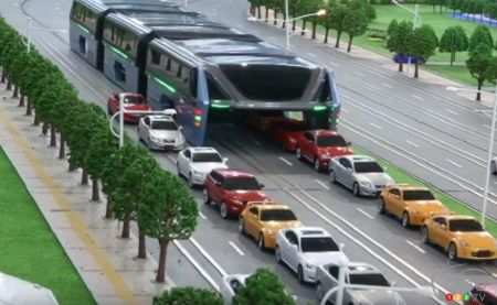 Giant electric bus set to ride over traffic in China