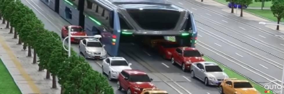 un bus g ant enjambera la circulation en chine actualit s automobile auto123. Black Bedroom Furniture Sets. Home Design Ideas