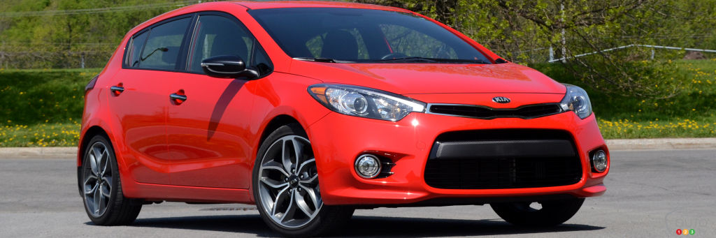 2016 kia forte5 sx luxury is an extraordinary compromise car reviews auto123. Black Bedroom Furniture Sets. Home Design Ideas