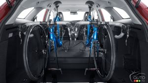 Honda Civic Tourer available with in-car bicycle rack