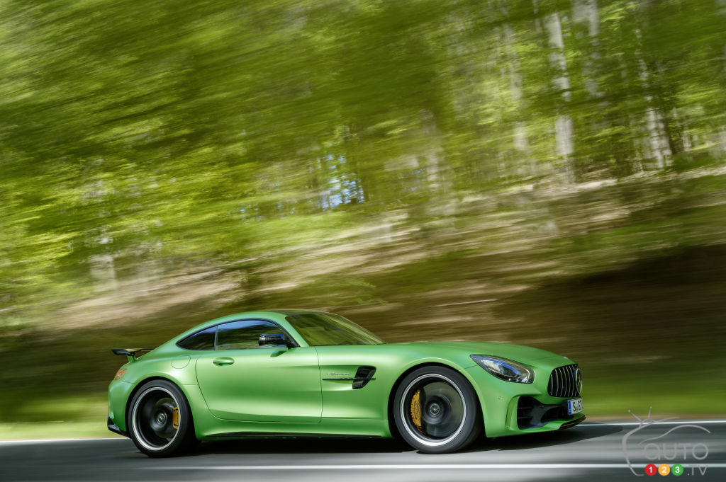New Mercedes-AMG GT R ready to tear the track apart