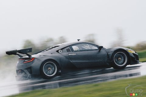 Acura NSX GT3 race car is unveiled