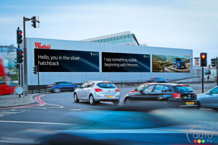Renault billboard interacts with drivers in the U.K.
