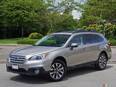 2016 subaru reviews from industry experts auto123. Black Bedroom Furniture Sets. Home Design Ideas