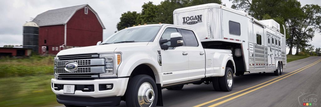 all new 2017 ford f series super duty trucks ready to roar. Black Bedroom Furniture Sets. Home Design Ideas