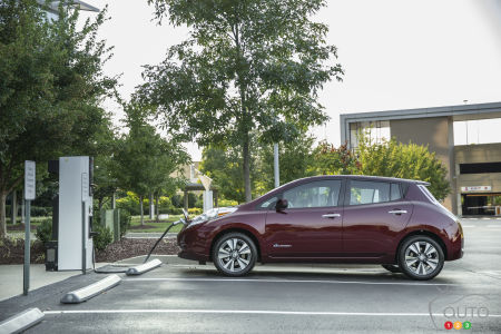 Renault-Nissan sells record 100,000th EV in single year