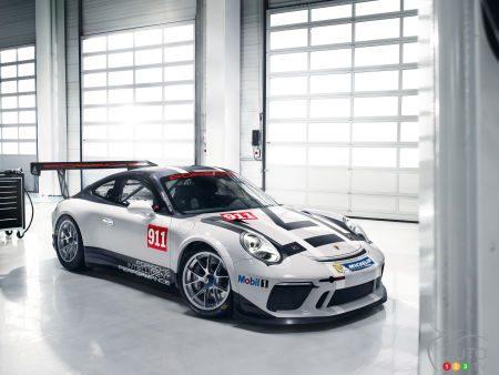 Paris 2016: Behold the new Porsche 911 GT3 Cup