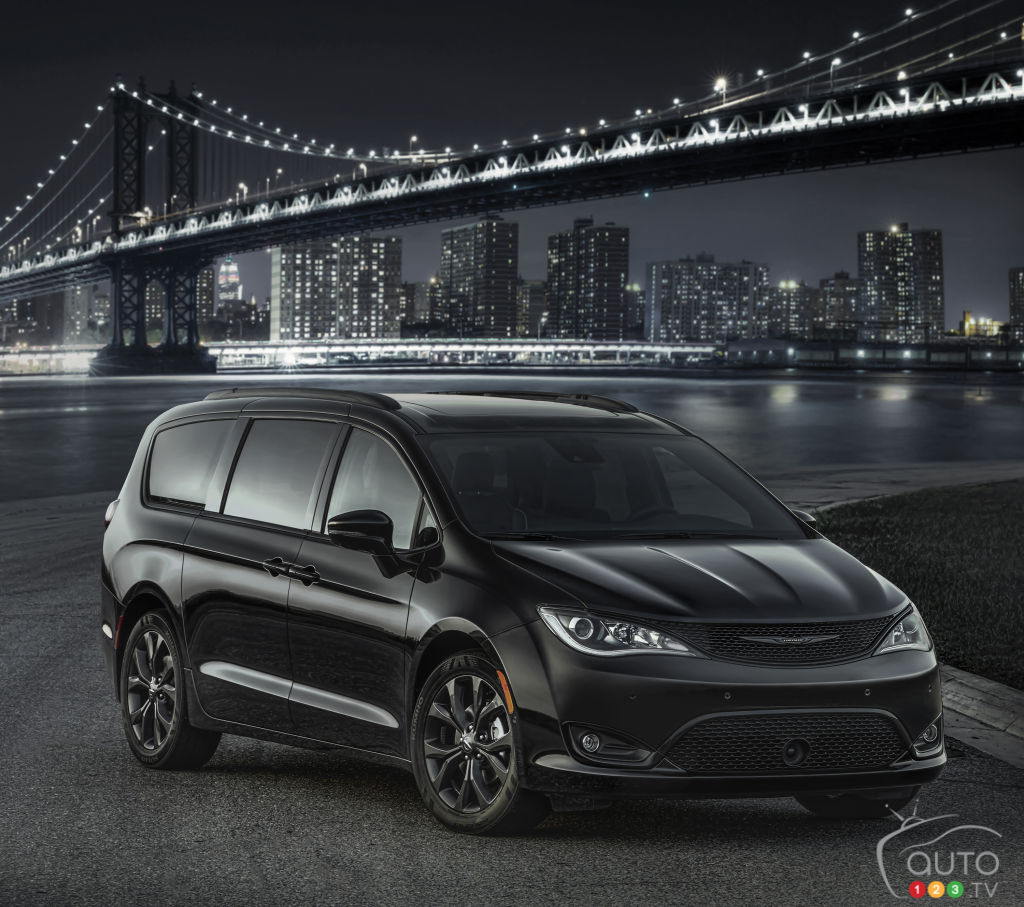 A Sportier-Looking 2018 Chrysler Pacifica? We Want One!