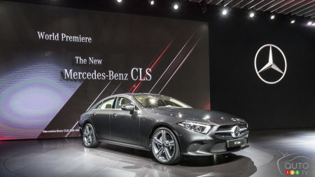 New MercedesBenz CLS Makes Debut At Los Angeles Auto Show Car - Mercedes benz car show
