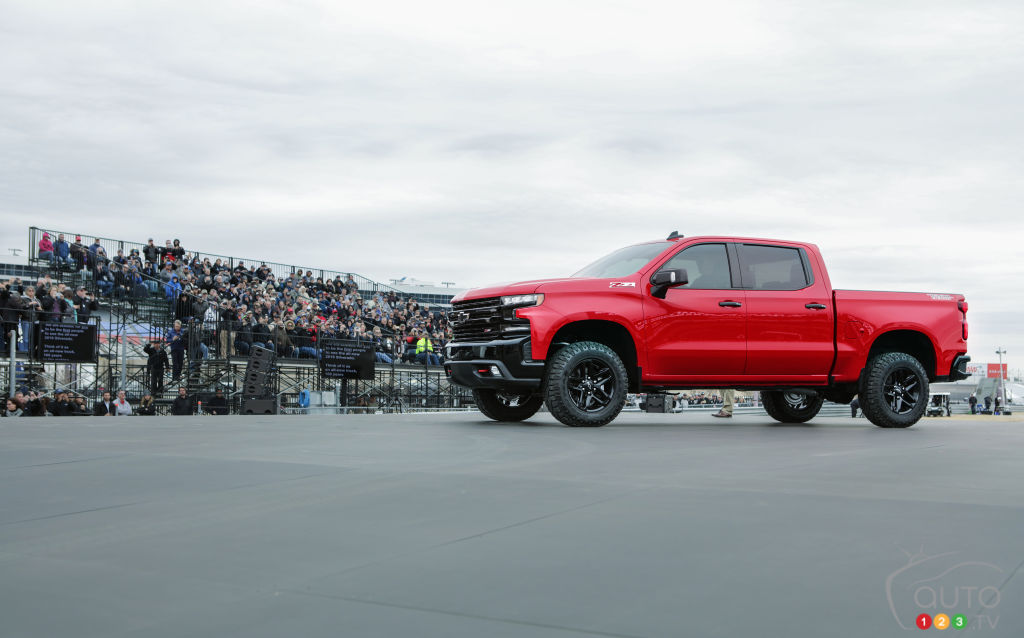 2019 Chevrolet Silverado unveiled: a first look | Car News ...
