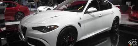 l alfa romeo giulia lue plus belle voiture de l ann e actualit s automobile auto123. Black Bedroom Furniture Sets. Home Design Ideas