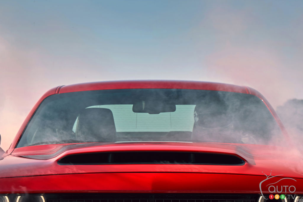 2018 Dodge Challenger SRT Demon teaser 5