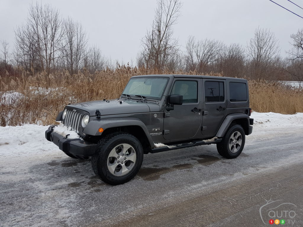 A Jeep Wrangler In Winter Whats That Like Car Reviews Auto123 1999 Grand Cherokee Will Not Start