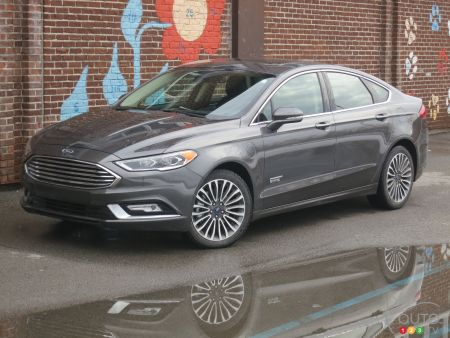 2017 Ford Fusion Energi Se A Green Car Worth Considering
