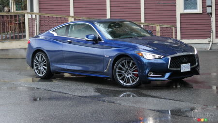 2017 INFINITI Q60 Red Sport 400 is ready for the big war