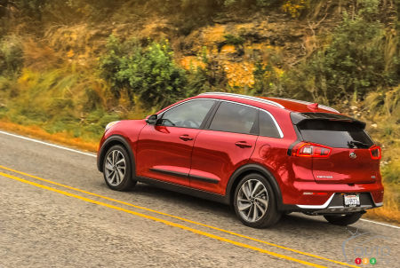 Kia Niro Hyundai Ioniq Spearheading Korea S New Green Car Onslaught