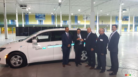 First Chrysler Pacifica Hybrid Delivered to a Vehicle Fleet in Canada