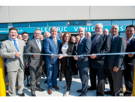 World's First Electric Vehicle Discovery Centre Opens in Toronto