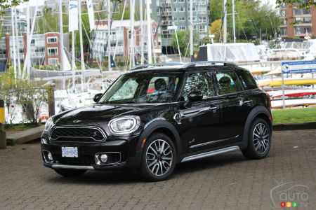 New 2017 MINI Countryman Improves as a Family Hauler