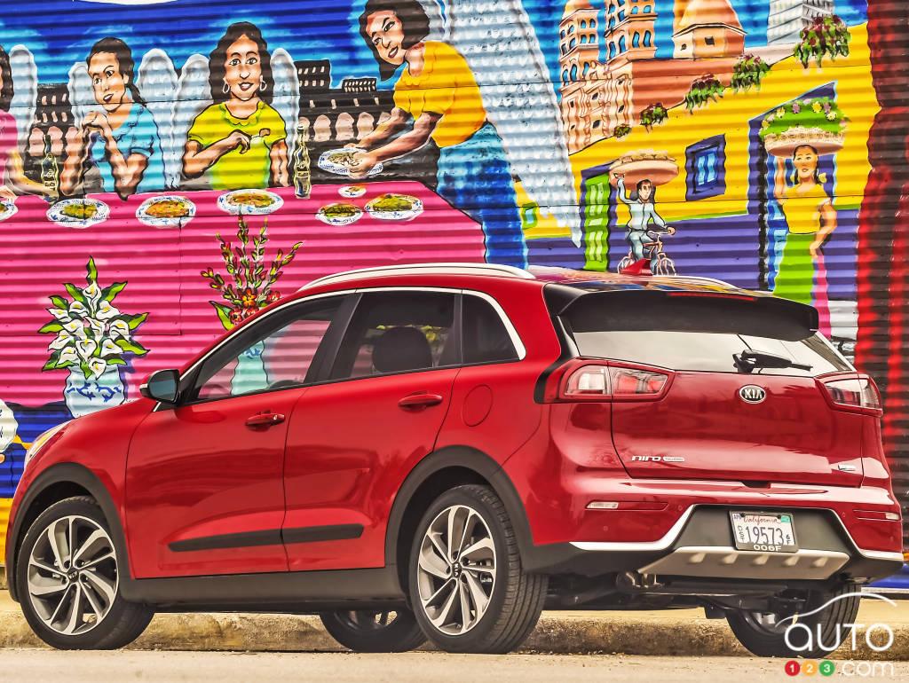 2017 Kia Niro Review The Car Connection Autos Post