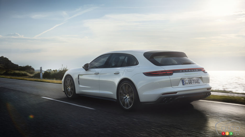 New Panamera Sport Turismo Latest Plug-in Hybrid to Join Porsche Lineup