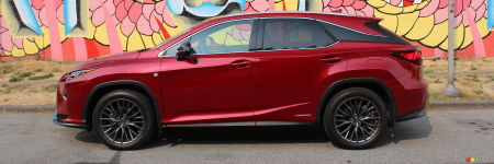 2017 lexus rx 450h f sport the surprising one car reviews auto123. Black Bedroom Furniture Sets. Home Design Ideas